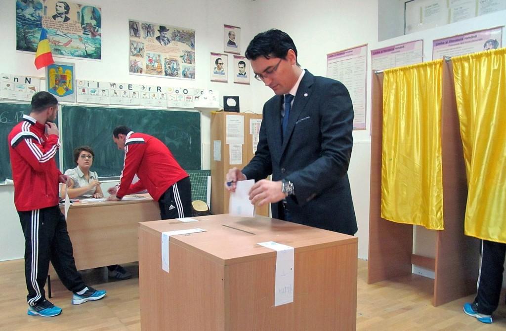 Razvan Burleanu vot_micsorata (2)